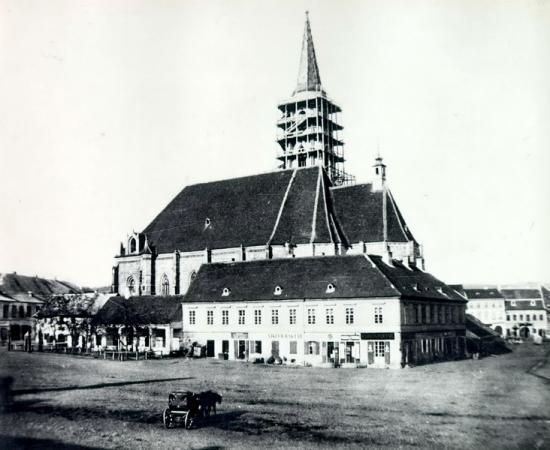 223-1859-Piata Libertatii cu cladirile ce inconjurau biserica Sf.Mihail la care se finisa turnul _resize