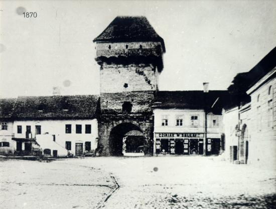 248-1870-Tutnul portii podului, demolat in 1872,str.Gh.Doja-vedere dinspre sud