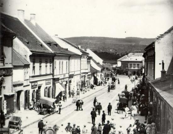 253-1887 Str. Gh. Doja, vazuta de la etajul 1 al hotelului Central