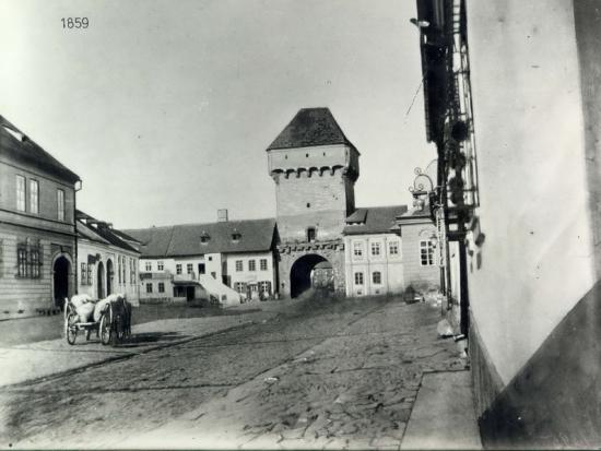 263-1859-Turnul portii Podului, demolat in 1872. str. Gh. Doja- vedere dinspre sud