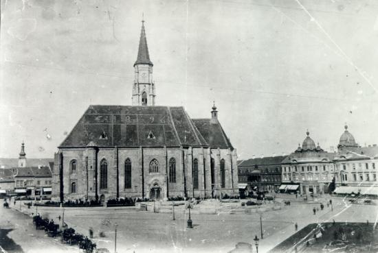 294-1901-piata libertatii- se lucreaza la soclul statuii lui matei corvin