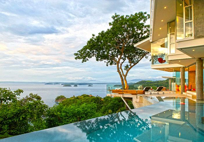 beachfront-dream-house-by-Victor-Canas-01