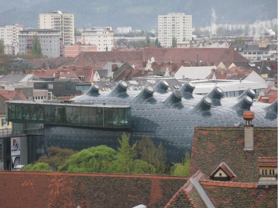 cladirea stranie este muzeul de arta contemporana