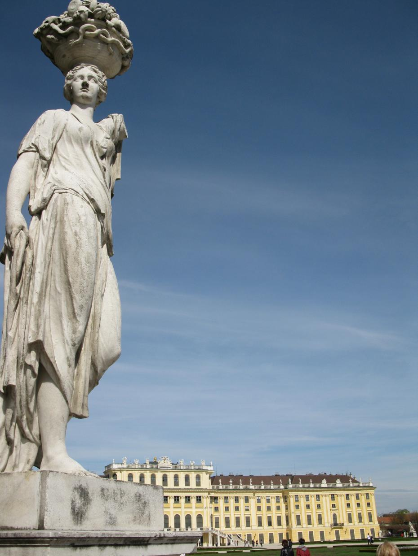 statuie Schoenbrunn Palace