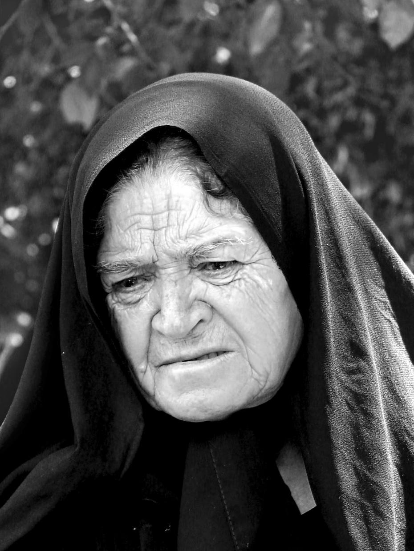 sad_old_woman