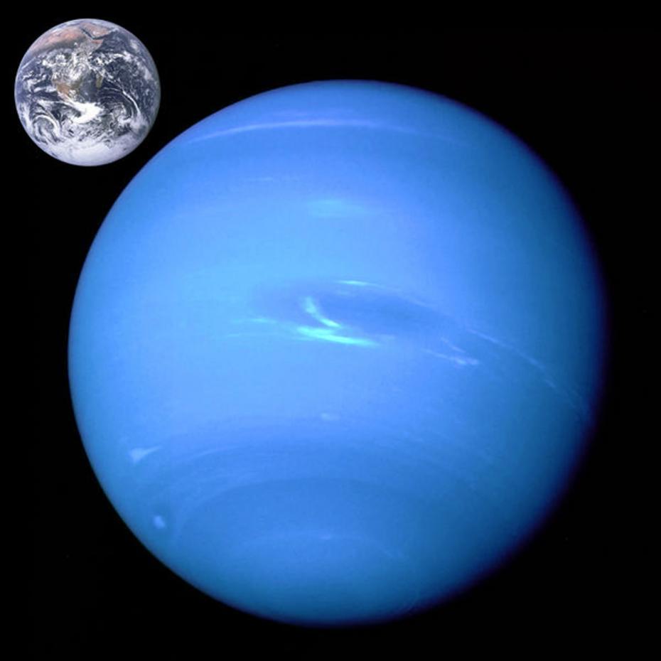 Neptune_Earth_size_comparison