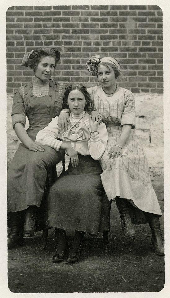 Women 1900