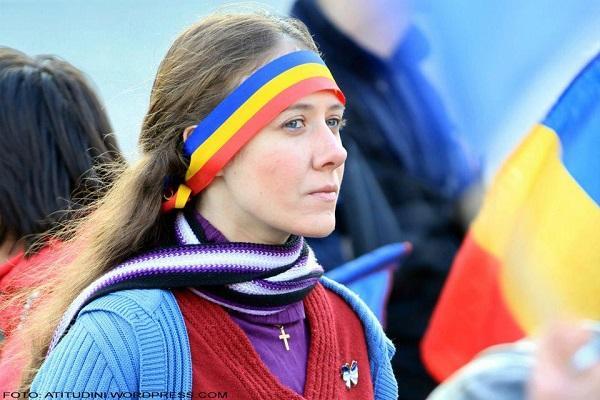 Sabina-Elena-si-Romanii-din-Covasna-si-Harghita-Martie-2013-Atitudini-Tricolor