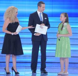 Madalina ,Antonela,Massimiliano Panni -premiu tluc -scenaVCG